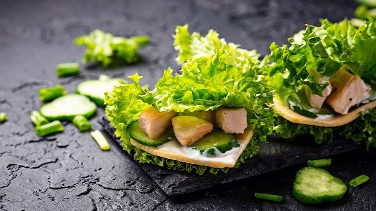 chicken wrapped in lettuce